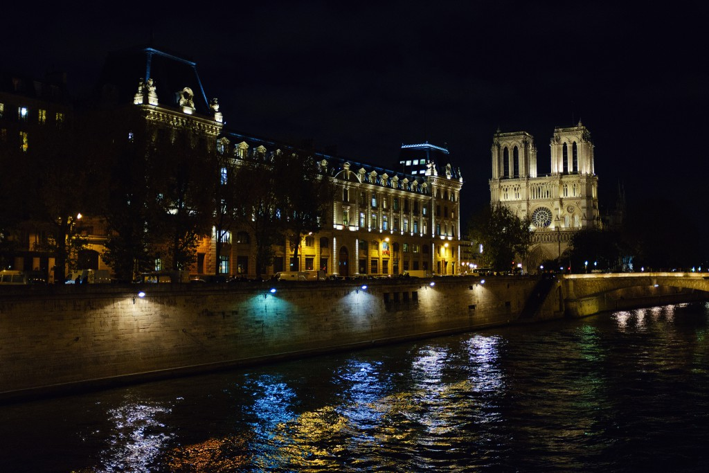 Nôtre Dame at Night